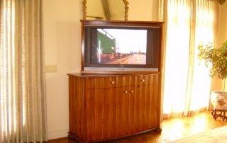 Art Deco TV Lift
