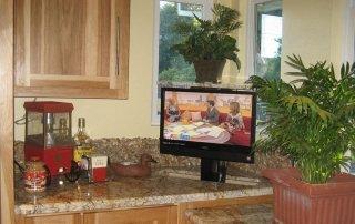 Hidden TV in Kitchen Dead Corner