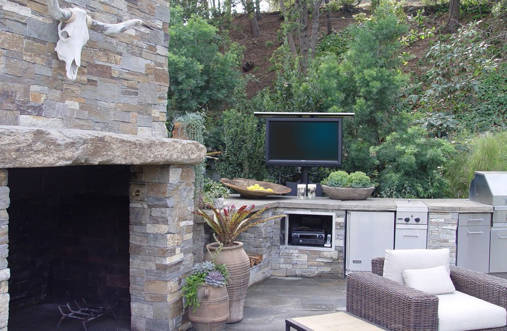 Outdoor tv lift ideas for active families nexus 21 for Tv in the kitchen ideas