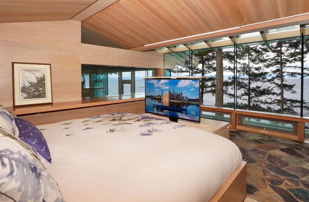 Bedroom TV Lift in Beautiful Vacation Home