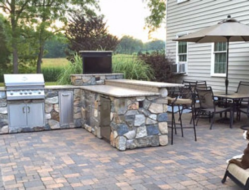 Swivel TV Lift Gives Outdoor Kitchen Style and Function