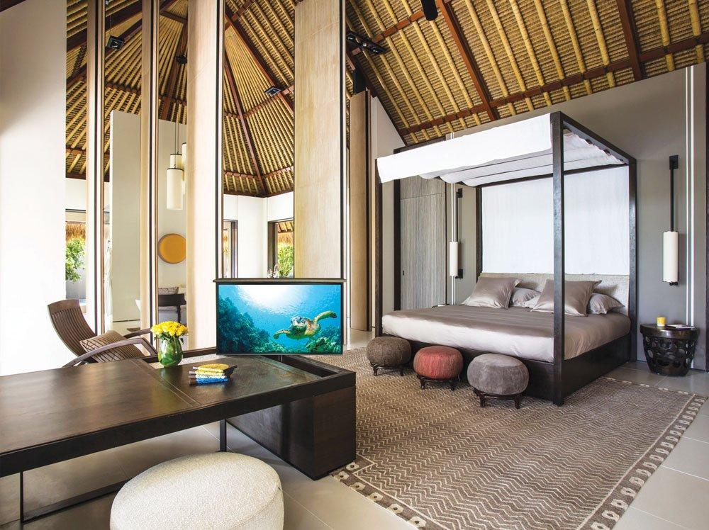 Maldives TV Lift